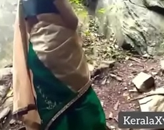 Best affiliate Desi sexy mom outdoor fuckingFull video @ KeralaXvideos.ml