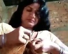 Desi townsperson aunty fingering pussy chut
