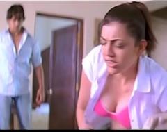 Kajal Agarwal Peekaboo BOOBS edict slow-motion