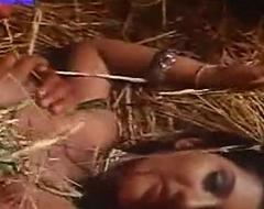 Indian sex movie scene scene scene love makeing outdoor www.desi...